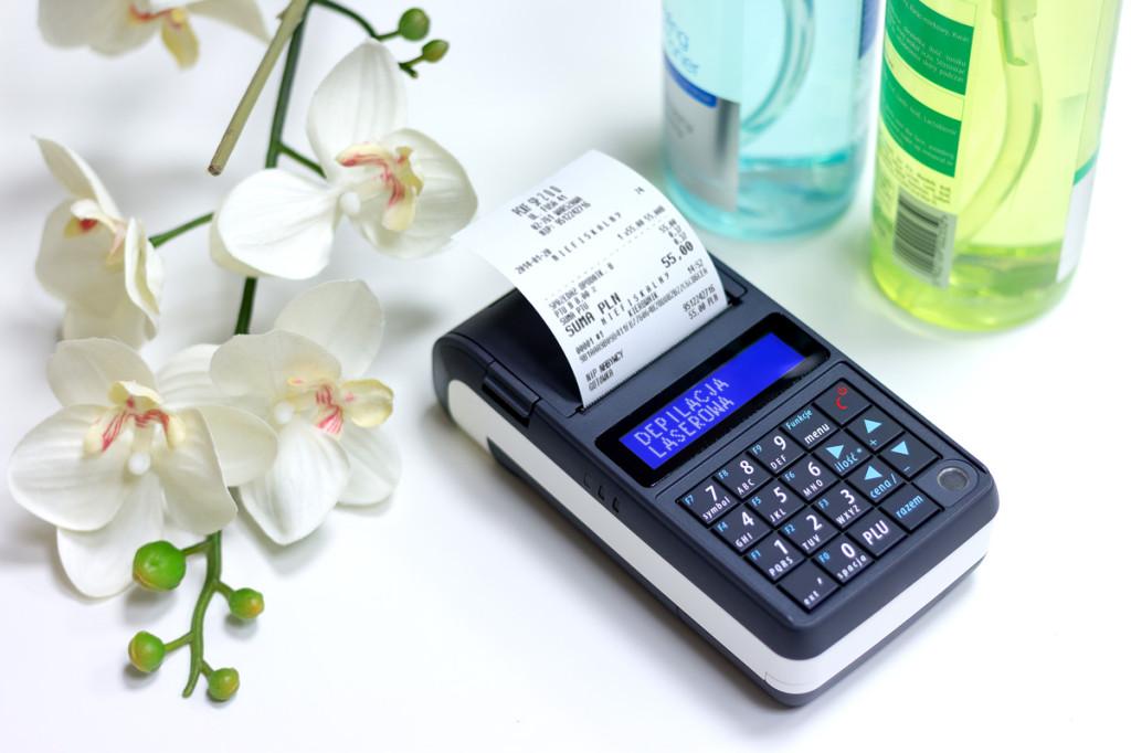 Posnet Mobile HS EJ - bezkonkurencyjna pod względem gabarytów i wagi, stworzona do pracy mobilnej. Bez problemu zmieści się w torebce.
