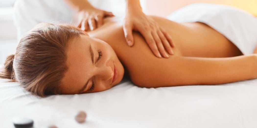 Masaż ciała łaczy relaks i walory prozdrowotne