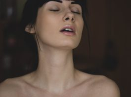 Afrodyzjak działa na kobietę