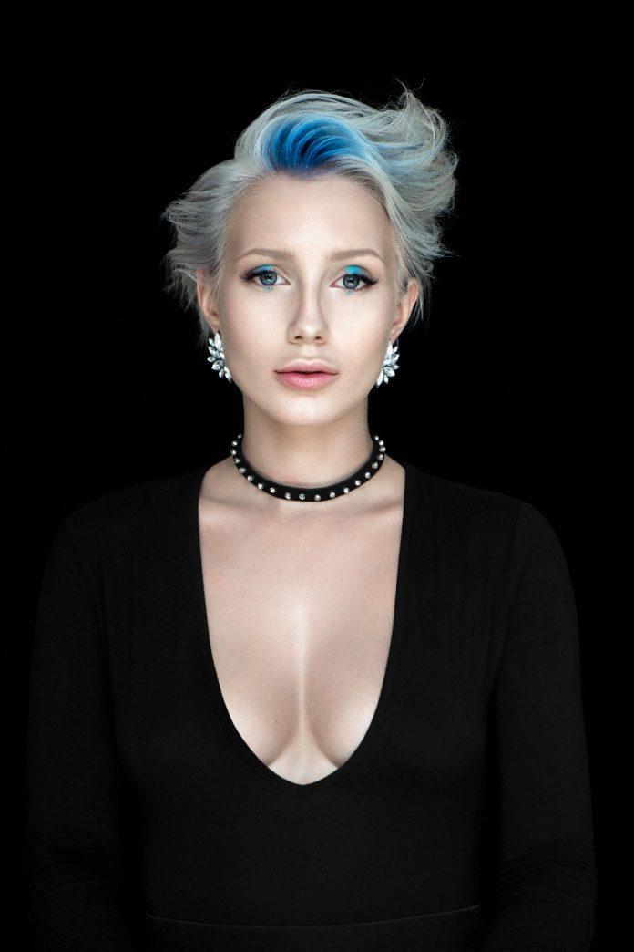kobieta stylizacja fryzur