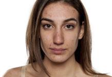 Kobieta z trądzikiem dorosłych