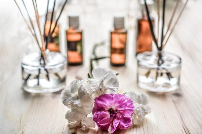 Kwiaty patyczki zapachowe w SPA