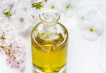 odlewka perfum w szklanej buteleczce