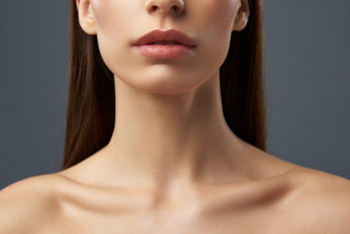 kobieca szyja