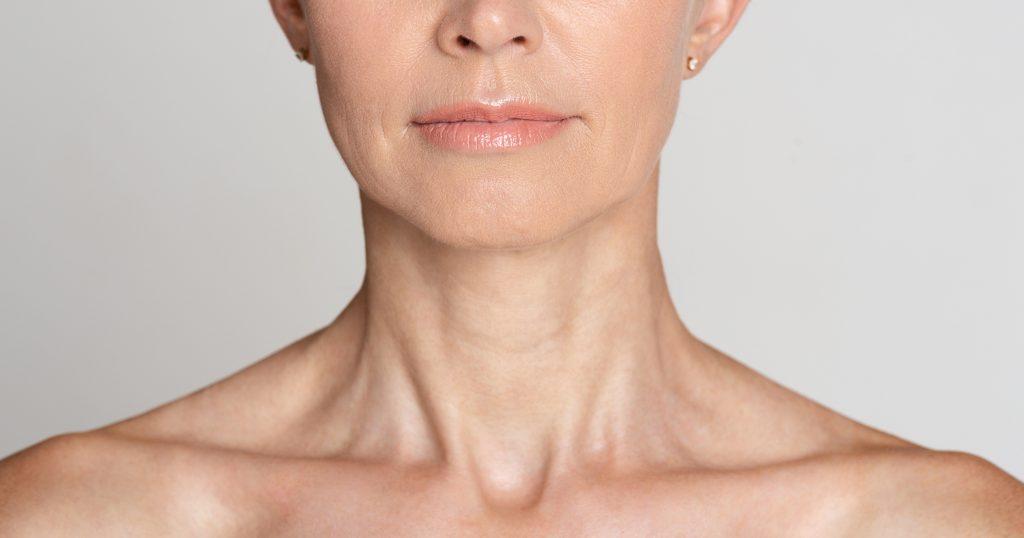 skóra szyi u osoby dojrzałej